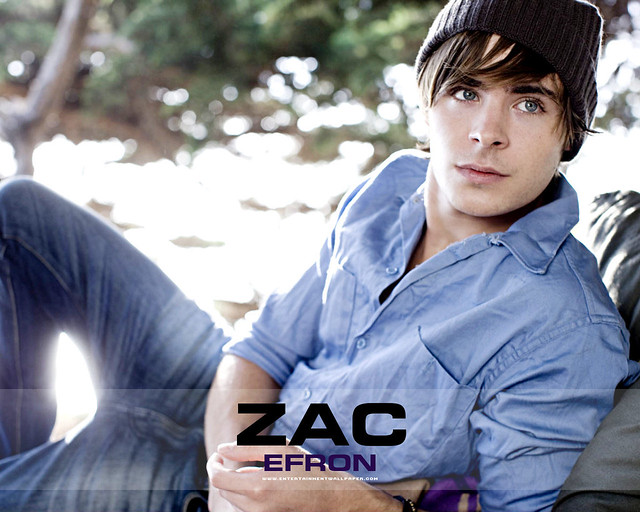 Zac Efron Actor Wallpaper