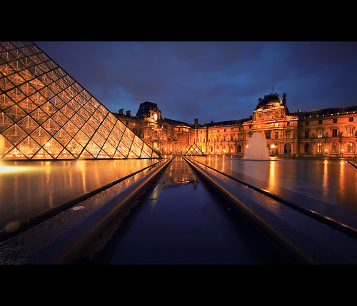 longexposure cinema paris france museum canon movie still louvre bluehour cinematic dri muséedulouvre uwa canonef1635mmf28liiusm canoneos5dmarkii 5d2