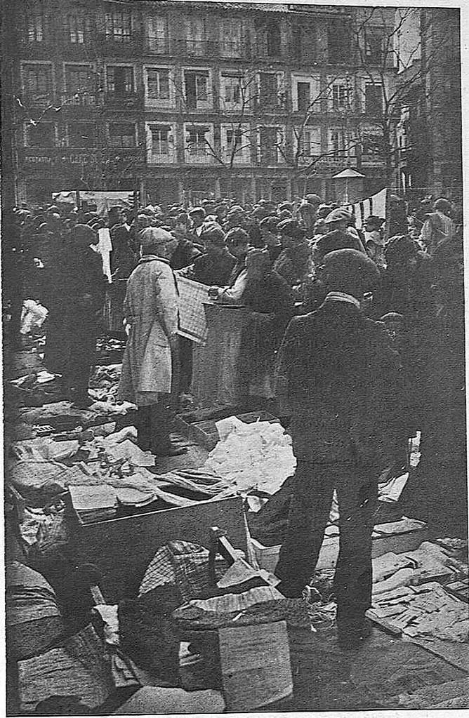Mercadillo del martes en Zocodover hacia 1925. Publicada en agosto de 1925 en la Revista Toledo