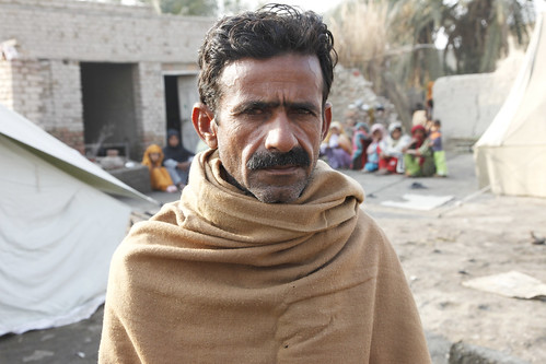 Punhal, aged 42, from Jacobabad, Pakistan