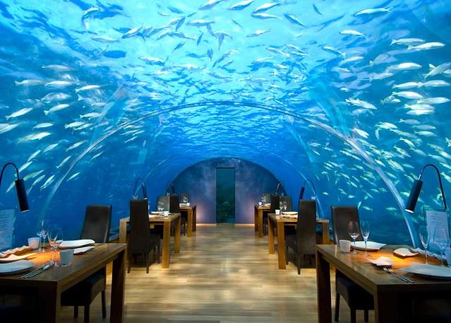 全面ガラス張りの水中レストランを持つ世界のベストウォーターヴィラ「コンラッド・モルディブ・ランガリ・アイランド」