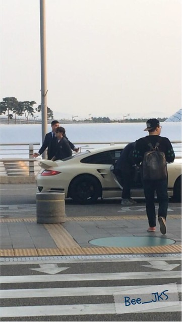 [Pics] JKS departs from Seoul to Beijing_20140425 13996206306_5402858143_z