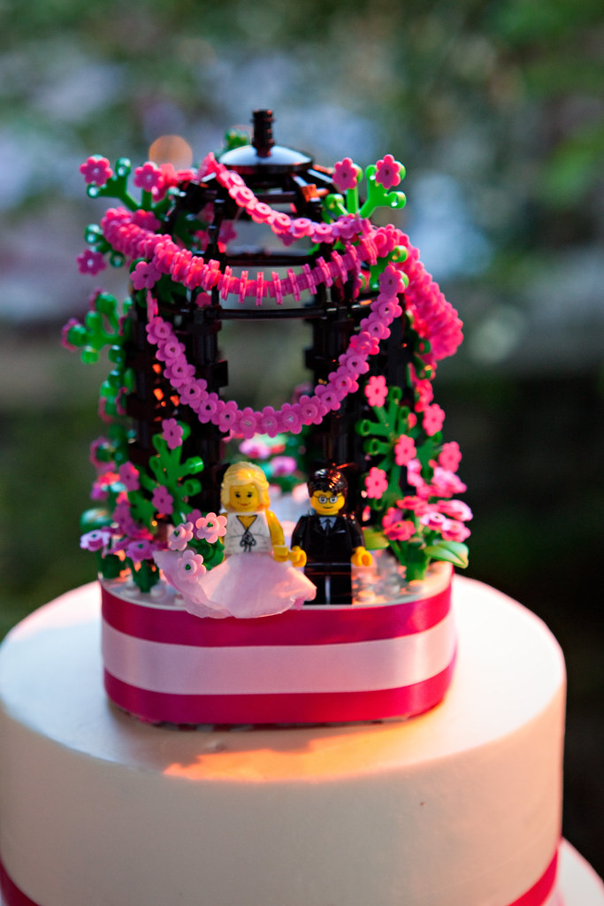 Lego Wedding Cake Topper I Got Married May 1 2010 And Cre Flickr