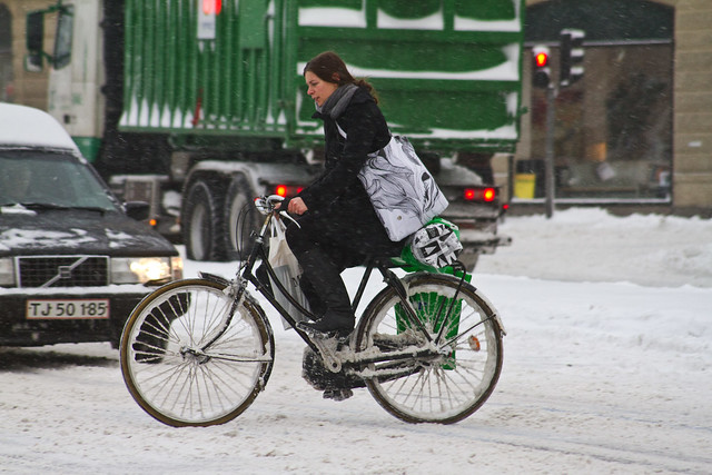 Snowstorm Christmas Shopping - Winter Cycling in Copenhagen