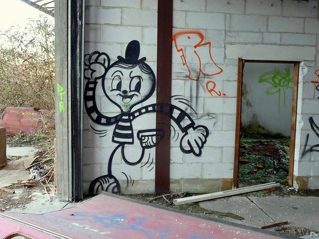 graffiti . streetart | bue | doel . belgium