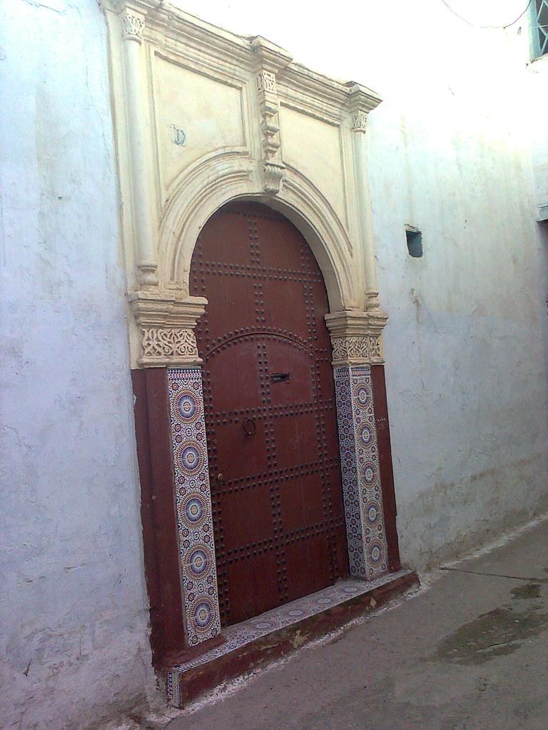 Porte marocaine architecture marocaine by onzyme for Architecture marocaine