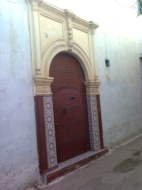 Porte marocaine architecture marocaine by onzyme for Architecture marocaine