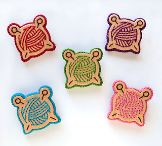 """Knitting"" Wooden Embroidery Brooches"