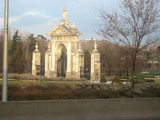 صورة Puerta de Hierro. madrid españa geotagged moncloa geo:lat=4045506608 geo:lon=374285812
