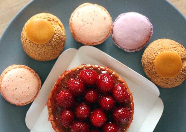 paris, framboise, popelini, rue debelleyme, macarons, paris sweets, פריז, בלוג אופנה, אוכל בפריז, מקרונים, פחזניות, פאי פטל