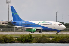 Venezolana - Boeing 737-200 Advanced - YV302T - Queen Beatrix International Airport (AUA) - Aruba - September 19, 2010 2 105 RT CRP