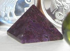 jewellery(0.0), amethyst(1.0), purple(1.0), mineral(1.0), gemstone(1.0), silver(1.0),