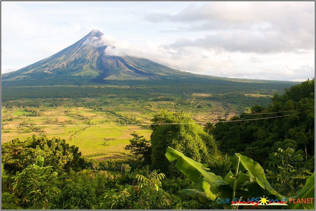 Mayon Volcano View from Ligñon Hill