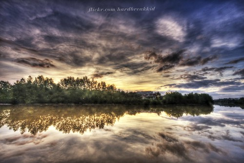trees cloud reflection green clouds sunrise canon river eos filter ultrawide canoneos brunei 1022mm hdr 1022 manfrotto uwa efs1022mm bandarseribegawan nd8 bruneidarussalam 40d eos40d 055b sungaikedayan waterhdrsunrisewaterreflectioncloudssky