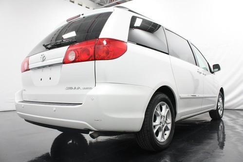 Toyota Sienna Van