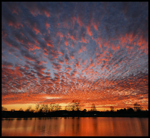 sunset red sky orange color reflection clouds huntsville alabama bamawester napg brahanspringspark