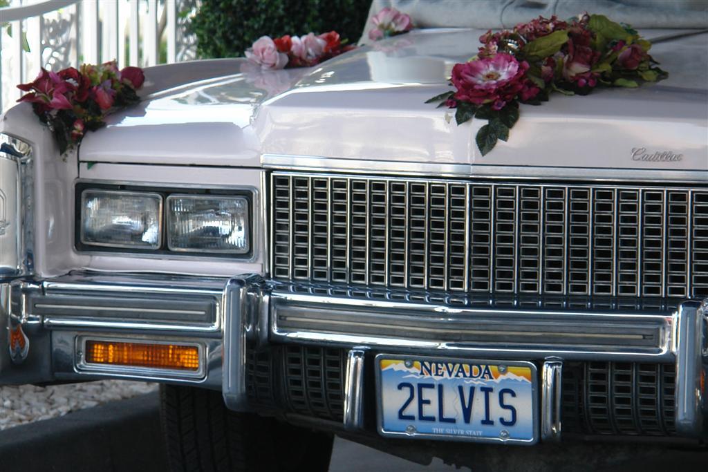El famoso coche con el que te casas en el tunel del amor Qué ver y hacer en Las Vegas, curiosidades y lugares a NO perderse - 5523472830 669e500626 o - Qué ver y hacer en Las Vegas, curiosidades y lugares a NO perderse