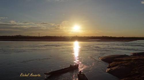 sunset sky sun sol water sunshine rio sunrise river atardecer agua colombia venezuela cielo rocas limites fronteras riometa rioorinoco puertocarreño llanovenezolano riosdevenezuela llanosdevenezuela riosdecolombia puertopaez rutadegallegos llanosdeapure llanosapureños