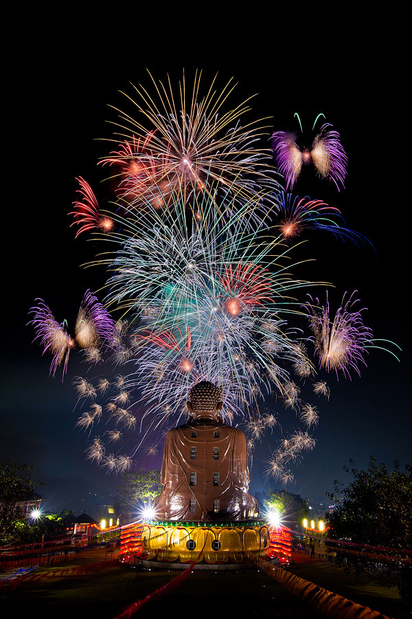 Chinese New Year Fireworks @ Baguashan Great Buddha 八卦山大佛新春祈福法會煙火