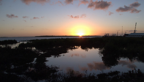 sunset sun water clouds glow mozambique quelimane zambézia