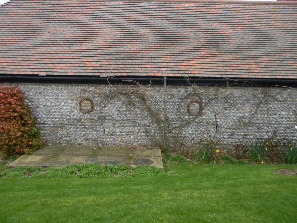 Nice wall Barn ok too, I guess. Winchelsea Circular