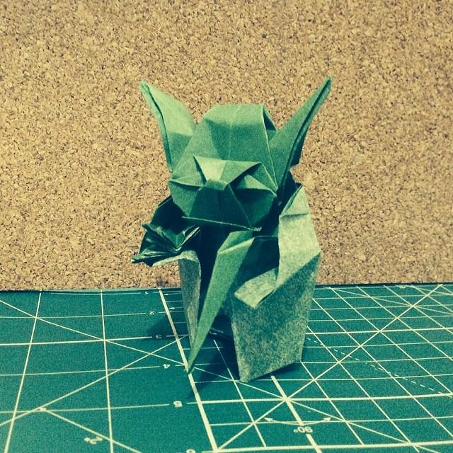 Origami Yoda Easy Tutorial - Star Wars Origami - YouTube   500x500