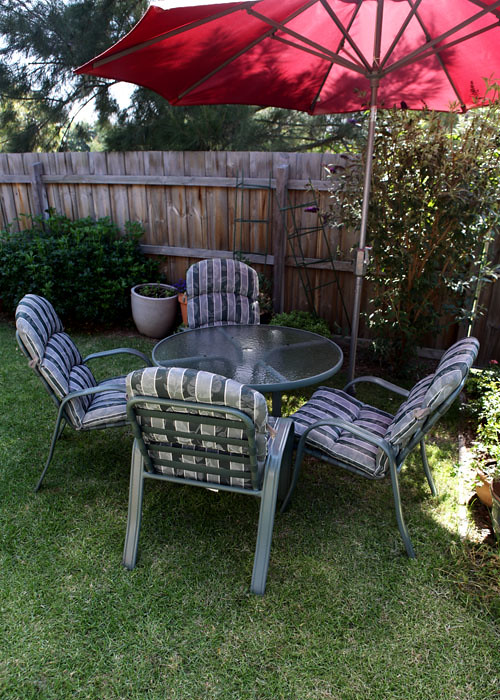 Outdoor Table & Chairs - pic 2
