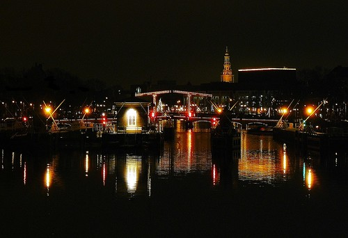 Night on Amstel river - Amsterdam (3 pictures)