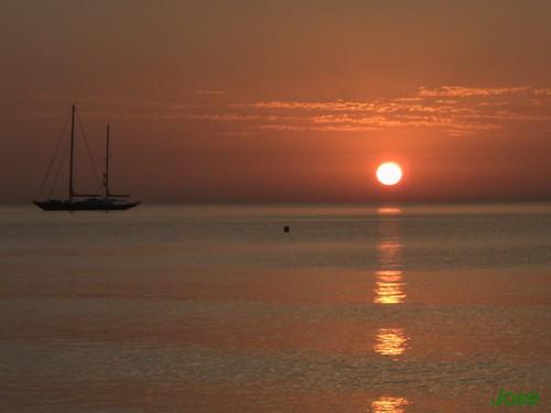 sunset sea españa clouds dawn boat spain nikon tramonto barco sonnenuntergang jose andalucia amanecer pôrdosol nubes nuages bateau malaga 日落 arroyo закат orto sanpedroalcantara josearroyo d5000 fz28 jasena