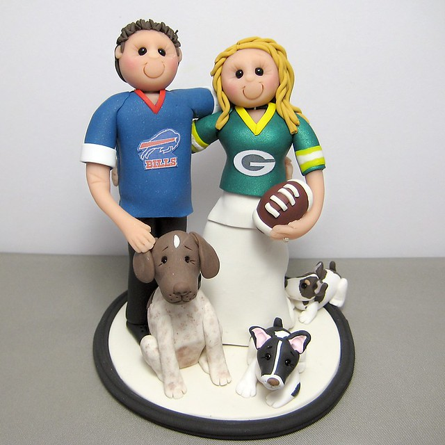 Green Bay Packers and Buffalo Bills wedding cake topper