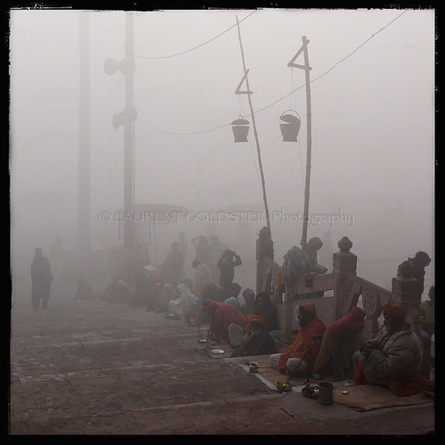 morning winter people india cold fog square dawn view atmosphere varanasi kashi leprosy timeless ghats benares benaras uttarpradesh भारत indiasong thebestofday gününeniyisi