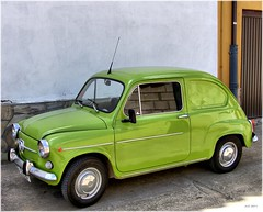 automobile(1.0), vehicle(1.0), fiat 600(1.0), seat 600(1.0), city car(1.0), compact car(1.0), zastava 750(1.0), antique car(1.0), classic car(1.0), land vehicle(1.0),