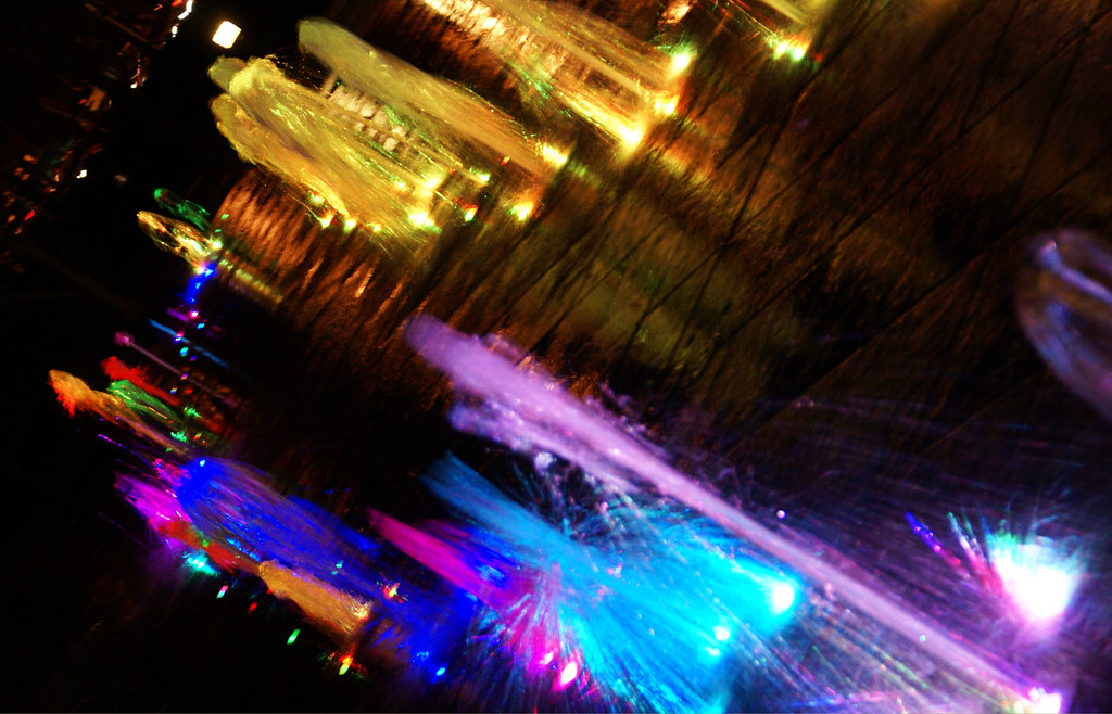 Agua - Fuentes con iluminación nocturna de colores en CTBA - Madrid - Foto Victor Ferrando