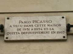 Photo of Pablo Picasso white plaque