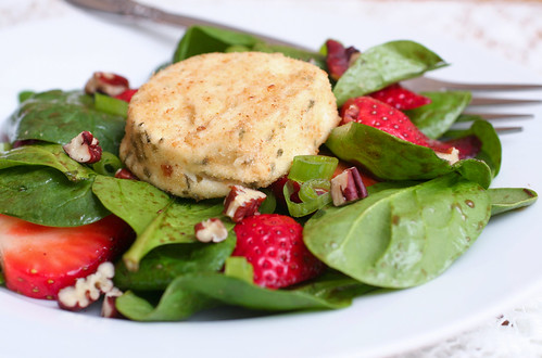 Spinach Strawberry Salad with Baked Goat Cheese