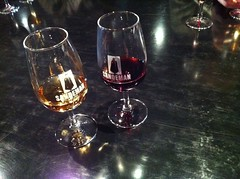 wine glass, wine, drinkware, stemware, distilled beverage, glass, red wine, drink, alcoholic beverage,