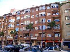 Situado en la Avd. Beniardá. Pida más información en su agencia inmobiliaria Asegil de Benidorm  www.inmobiliariabenidorm.com