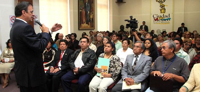 Ofrece Ebrard respaldo a representantes vecinales de Azcapotzalco