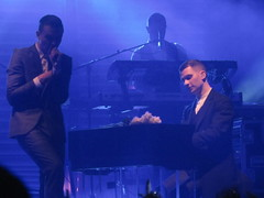 Hurts, live in Bologna Estragon