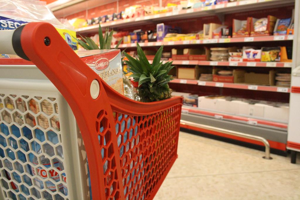 Fiducia dei consumatori sopra le attese