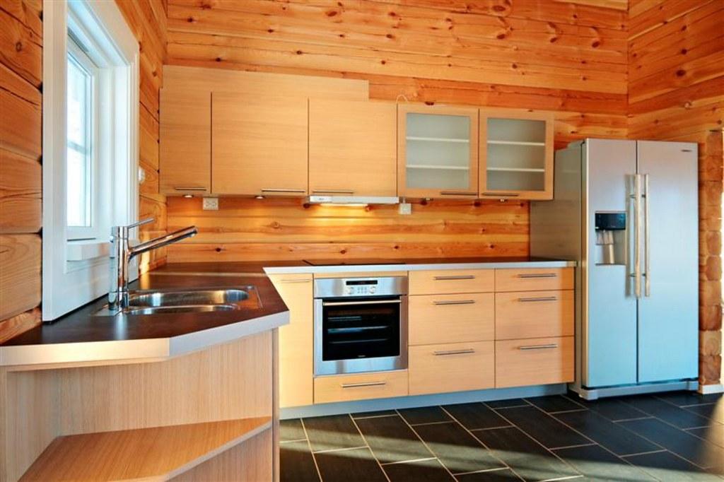 Interieur foto van een keuken in een houten huis chalet ou2026 flickr