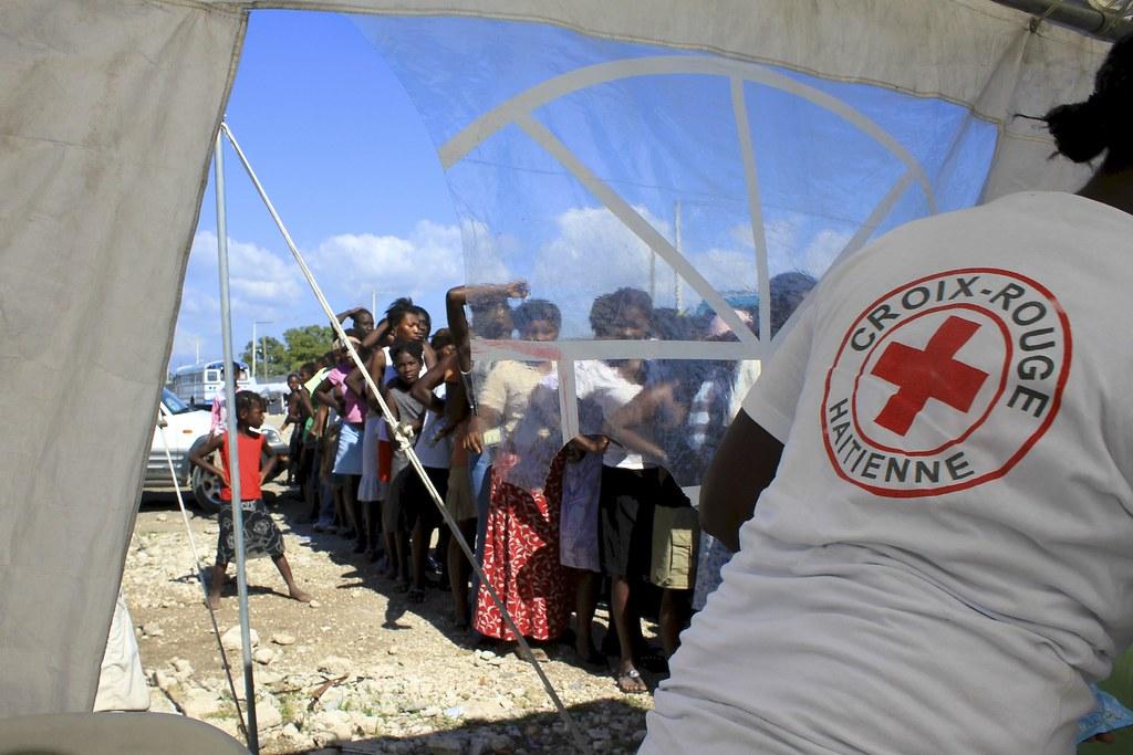 Canap vert haiti tripcarta for Canape vert haiti