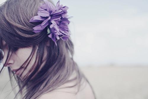 flor cabelo menina
