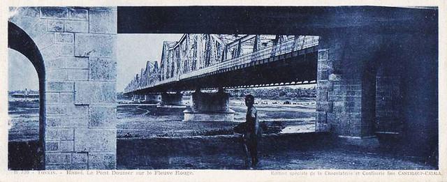 HANOI - Le Pont Doumer sur le Fleuve Rouge - carte PANORAMIQUE 23 x 9.5 cm