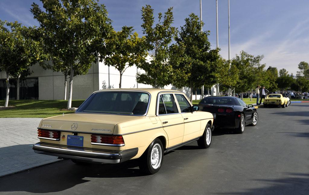 W123 rear sunshade mercedes benz forum for Mercedes benz e350 sunshade