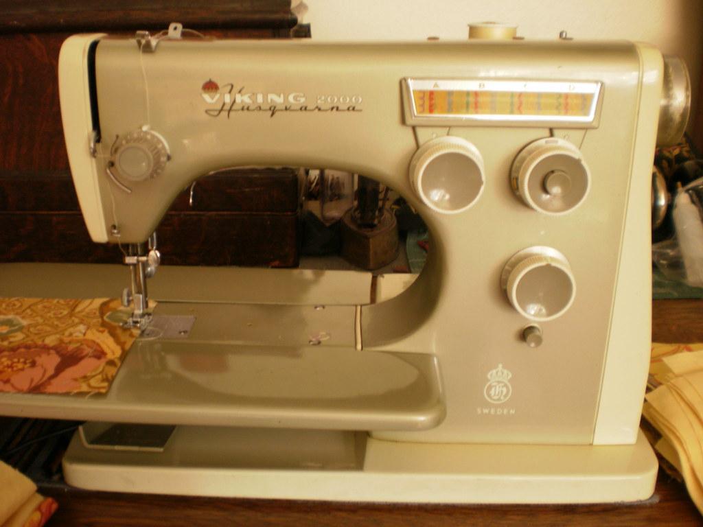 husqvarna 2000 sewing machine