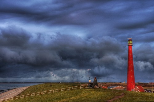 Den Helder; Snow clouds behind the lighthouse