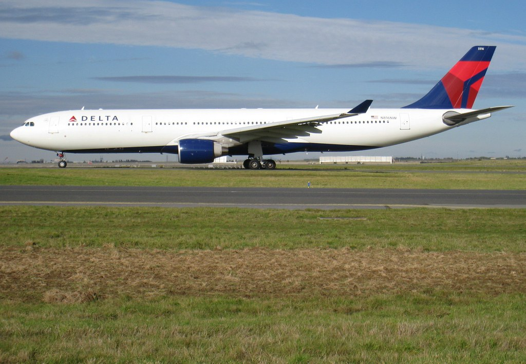 N816NW - A333 - Delta Air Lines