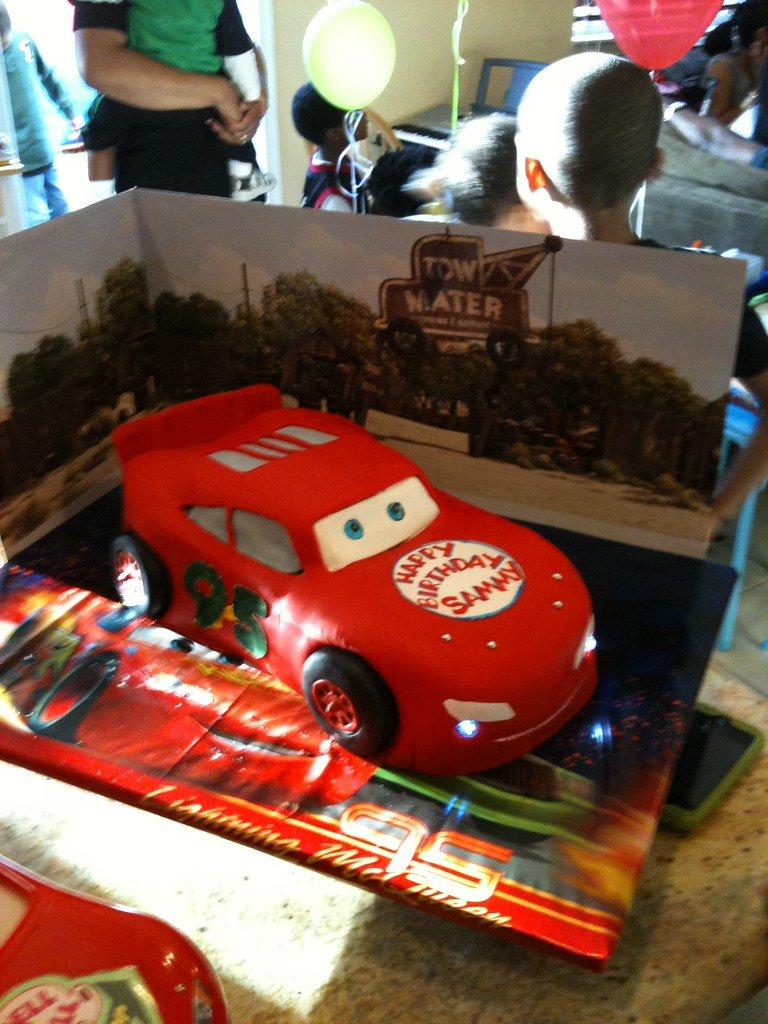 Awe Inspiring Lightning Mcqueen Birthday Cake With Cars Background Flickr Funny Birthday Cards Online Fluifree Goldxyz