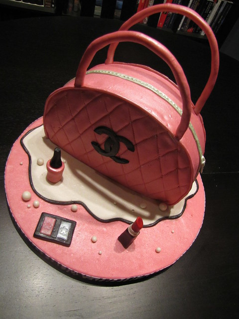 Chanel Cosmetic Bag Cake!! | Flickr - Photo Sharing